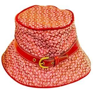 NWOT 💯% Authentic VINTAGE Coach Logo Bucket Hat!
